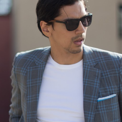 How do I dress with sprezzatura?